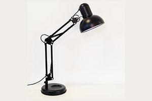 Đèn bàn Luxo DC6865