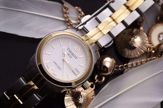 Đồng hồ được mã PVD